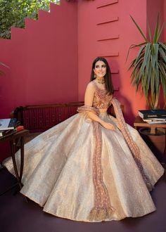 Indian Bridal Outfits, Indian Designer Outfits, Indian Bridal Couture, Indian Designers, Indian Gowns Dresses, Pakistani Party Wear Dresses, Party Wear Lehenga, Bridal Lehenga Collection, Lehnga Dress