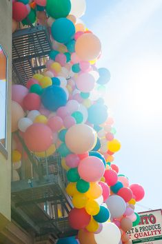 Geronimo Balloons + Oh Happy Day Balloon Installation!