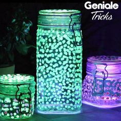 Diy Garten Glowing garden decoration Simply make glowing glasses for inside and outside yourself. Lilo Et Stitch, Solar Light Crafts, Diy Home Crafts, Creative Crafts, Yarn Crafts, Sewing Crafts, Decoration Table, Decoration Crafts, Mason Jar Crafts