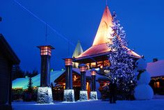 Santa Claus Village - Rovaniemi: Santa Claus Village in Rovaniemi (FINLAND). The blue line represents the Arctic Circle