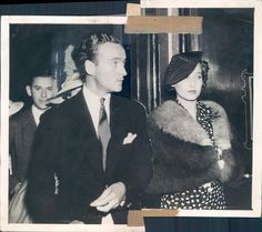 Setting the bar for impeccably dressed, Merle Oberon and David Niven.