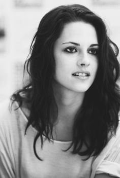 Kristen Stewart- love her hair Kristen Stewart, Pretty People, Beautiful People, Beautiful Ladies, Beautiful Celebrities, Mannequins, Hollywood Actresses, Emma Watson, Girl Crushes