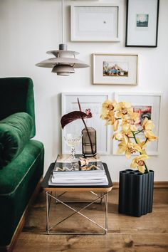 side table, green couch | living room w/ wallart | Das Glück im Kleinen! PH 5 Mini von Louis Poulsen