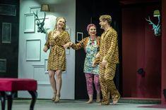 """Przez cały sierpień Nowy Teatr będzie grał dla Państwa w nowej siedzibie słupskiego teatru – a nawet na jej dachu! Już w pierwszy weekend (6 – 8 sierpnia, później 20 – 22 sierpnia) odbędzie się koncert poezji """"Projekt Leśmian"""" w wykonaniu aktorki Moniki Bubniak i kompozytora Przemysława Książka. Impreza odbywać się będzie na tarasie na […] Źródło Dresses With Sleeves, Long Sleeve, Fashion, Moda, Sleeve Dresses, Long Dress Patterns, Fashion Styles, Gowns With Sleeves, Fashion Illustrations"""