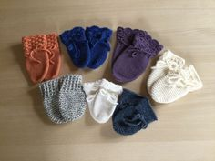 www.jettelangelund.dk index.asp?loadContent=255896&pagetype=1&menuId=76573&parent=76573&tp=76573 Knitting For Kids, Baby Knitting Patterns, Baby Barn, Diy Baby, Baby Accessories, Drops Design, Crochet Baby, Diy And Crafts, Baby Shoes