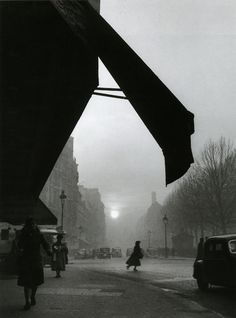 Sèvres-Babylone Crossroads, Paris, 1948  From Willy Ronis