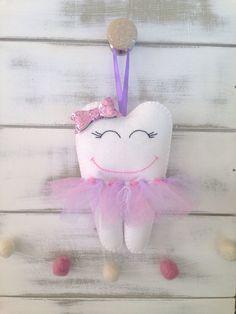 Oreiller de Tooth Fairy Tutu personnalisé avec par RubyLewisDesigns