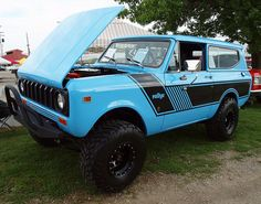 International Scout | Flickr - Photo Sharing!  The classic styling on this is great. Would love to drive one of these and do a bit of off road/adventure traveling/road tripping in this.