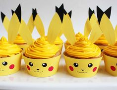 Pokemon birthday party ideas to help you plan an awesome, easy and affordable kids party. Find ideas for decorations, cupcakes, invitations, games and more! Pokemon Torte, Pokemon Cupcakes, Bolo Pikachu, Pikachu Cake, Pokemon Themed Party, Pokemon Birthday Cake, 6th Birthday Parties, Birthday Fun, Birthday Ideas