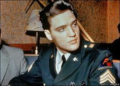 this picture of elvis gets me every time.