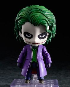 From the popular DC Comics film 'The Dark Knight' comes a Nendoroid of the Joker based on the highly acclaimed version of Joker played by Heath Ledger. He is also the first ever villain from a live action film to join the Nendoroid world! Batman Dark, Batman The Dark Knight, Joker Batman, Joker Villain, Dc Comics Film, Joker Playing Card, Batman Action Figures, The Dark Knight Rises, Mode Shop