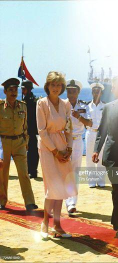 Princess Diana Fashion, Diana Spencer, Lady Diana, Princess Of Wales, Royals, United Kingdom, Queens, Most Beautiful, Hearts