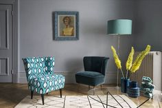 A recent collaboration with an artist Mariska Meijers resulted in bold new patterns from Sofa.com. The collection features blue, jade and pink ikat pattern.