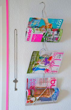 Zeitschriftenhalter aus Drahtbügeln