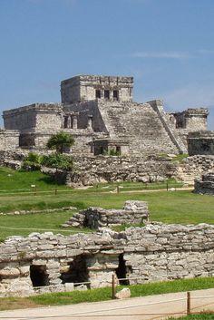 Gran ciudad Maya a la orilla del Mar Caribe.