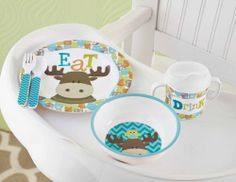 6-piece melamine moose and owl feeding set features colorful patterns and graphics. Set comes gift box and includes plate, bowl, two-handled...