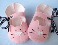 Baby Shoes Sewing Pattern with Appliques and by preciouspatterns