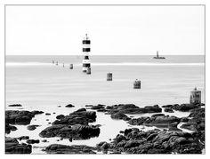 à la pointe de Penmarc'h #Bretagne #Finistere #phare #lighthouse © Paul Kerrien  http://toilapol.net