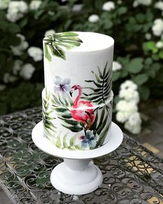 Tropical cake idea with flamingo Creative Cake Decorating, Creative Cakes, Wedding Cake Designs, Wedding Cakes, Cupcake Torte, Cupcakes, Flower Cake Design, Two Tier Cake, Flamingo Cake