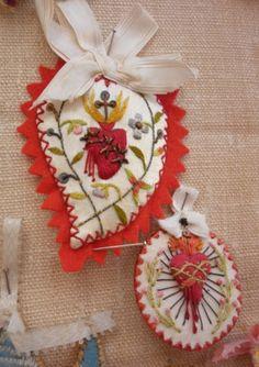 FILADIS Catholic Art, Religious Art, Faith Crafts, Ribbon Embroidery, Embroidery Art, Felt Hearts, Sacred Heart, Valentines Diy, Pastel