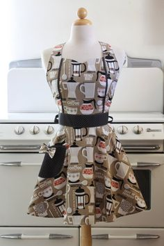 Retro Apron Vintage Style Sweetheart Neckline French Roast Coffee on Brown Full Apron MAGGIE