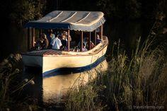 Flussfahrt Zambezi River Cruise bei den Victoria Falls  #Zambezi #VictoriaFalls #Flussfahrt Outdoor Furniture, Outdoor Decor, Home Decor, Zimbabwe, Waterfall, Nature, Viajes, Decoration Home, Room Decor