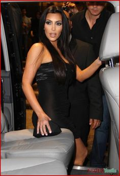 http://forum.purseblog.com/celebrity-news-and-gossip/the-kim-kardashian-thread-563514-272.html