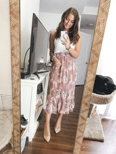 i am sharing a highly requested back to school outfit try on session! so many outfits for you guys i'm so excited to share! Professional Teacher Outfits, Casual Teacher Outfit, Cute Teacher Outfits, Teacher Dresses, Teacher Style, Cute Outfits, Young Professional, Cute Teacher Clothes, Elementary Teacher Outfits