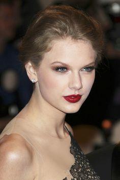 Taylor Swift Diamond Studs