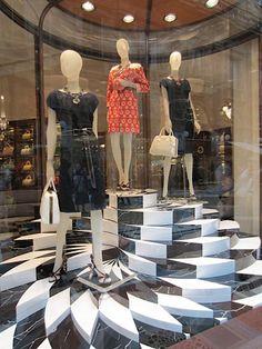 Prada-windows-Milan-04