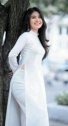 Ao Dai, Girls Image, Beautiful Asian Girls, White Dress, Girly, Female, Formal Dresses, Trending Outfits, Womens Fashion