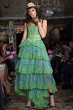 Betsey Johnson Spring 2002 Ready-to-Wear - Collection - Gallery - Style.com