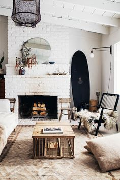 Living room design ideas with white brick fireplace + white walls and cozy furniture and decor Living Room Designs, Living Room Decor, Living Spaces, Small Living, Modern Living, Bohemian Style Home, Interior Ikea, Scandinavian Interior, Interior Design Trends