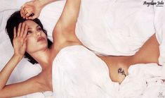 Angelina Jolie Joven, Angelina Jolie Young, Angelina Jolie Pictures, Jolie Photo, Bikini Photos, Celebrity Hairstyles, Bride Hairstyles, Sensual, Angeles