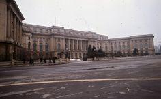 Muzeul Național de Artă al României Un București gri, în anul 1986
