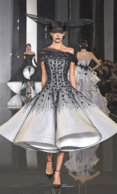 This is just fun!! Ditch the pointy shoes, though... Ralph & Russo Couture Fall/Winter 2014-15