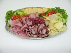 Obložené mísy Party Platters, Cobb Salad, Acai Bowl, Breakfast, Food, Meal, Eten, Meals, Morning Breakfast