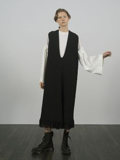 Y's Resort 2019 Fashion Show Collection: See the complete Y's Resort 2019 collection. Look 20 70s Fashion, Modest Fashion, Korean Fashion, High Fashion, Autumn Fashion, Vintage Fashion, Fashion Outfits, Fashion Trends, Young Fashion