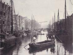De Brouwersgracht in oostelijke richting naar de brug voor de Willemstraat  Anonieme foto 1895