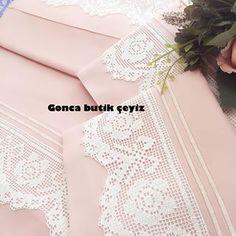 Crochet Crafts, Easy Crochet, Crochet Lace, Diy Crafts, Lace Bridal, Fillet Crochet, Crochet Borders, Lace Trim, Wedding Dresses