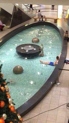 Dieser Badegast.