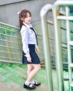𝐊𝐚𝐧𝐥𝐚𝐲𝐚 𝐒. (@justsamile) • รูปและวิดีโอ Instagram Cute Asian Girls, Cute Girls, Chloe Grace Moretz Feet, University Girl, Beautiful Girl Body, Cute Japanese Girl, Girls Uniforms, Teacher Style, Poker Online