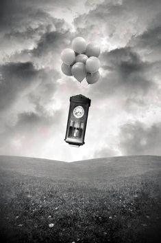 Fotografias surreais, por Tommy Ingberg (Suécia)  time flies..