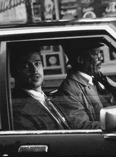 - David Fincher - 1995 (Brad Pitt and Morgan Freeman). This was a disturbing movie. Se7en Movie, Se7en 1995, Movie Tv, Cult Movies, Series Movies, The Best Films, Great Movies, Brad Pitt, 1990s Films