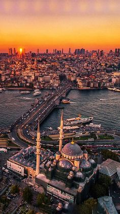 Istanbul City, Istanbul Travel, Istanbul Tours, City Aesthetic, Travel Aesthetic, Beautiful Mosques, Beautiful Places, Home Bild, Turkey Destinations