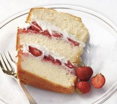 Spring Dessert: Chiffon Cake with Strawberries and Cream Recipe. Try this light and fluffy dessert that is perfect at the ending of every meal! #spring #dessert #cake
