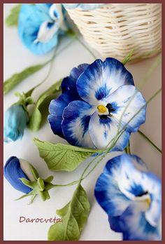 Clay handmade flowers by Darocveta
