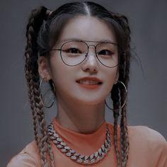 Kpop Girl Groups, Korean Girl Groups, Kpop Girls, Icy Girl, Taekook, Short Hair Styles, Idol, Lesbians, Queens