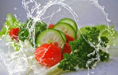 The cucumber diet is a healthy and delicious way to lose weight. Learn about cucumber health benefits, get your Complete Diet Plan and Recipes here! Dieta Paleo, Paleo Diet, Diet Foods, Diet Recipes, Vegetarian Recipes, Healthy Recipes, Healthy Foods, Vegetarian Diets, Healthy Vegetables
