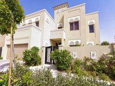 7 Modern Arabic Villa Designs That Celebrate Opulence Islamic Architecture, Contemporary Architecture, Architecture Design, Villa Design, House Design, Chedi Hotel, Mediterranean Design, Moroccan Design, House Elevation
